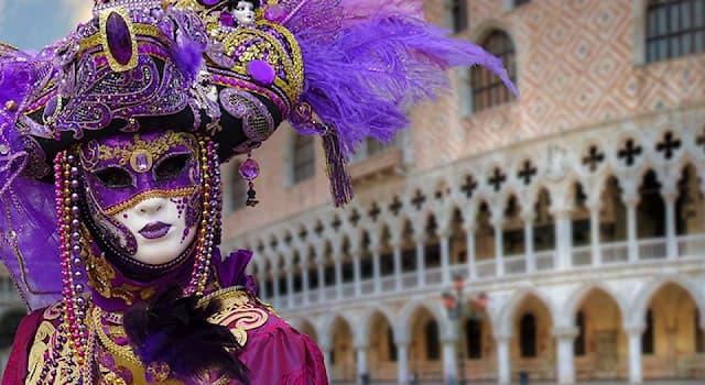 История Вопрос: Зачем изначально создавались маски в Венеции?